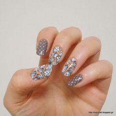 Moru's nails: UberChic Beautyプレート初使用