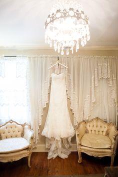 Modern Chic Cedarwood Destination Wedding | Cedarwood Weddings