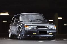 How not Love this Great Saab 900 Classic in odoardo grey