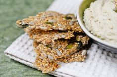 Flax Seed Crackers Raw Multiseed Crackers: I love crunchy, chewy goodness!Raw Multiseed Crackers: I love crunchy, chewy goodness! Seed Crackers Recipe, Flax Seed Crackers, Vegan Crackers, Cracker Recipe, Homemade Crackers, Yummy Snacks, Healthy Snacks, Yummy Food, Healthy Eating