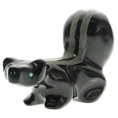 Skunk Zuni Fetish Spirit Carving