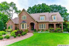 Timeless style defines this ... 4600 SF, 4 BR, 4 BA home in Blossomwood. Huntsville Hospital is just a couple of blocks away as well as…