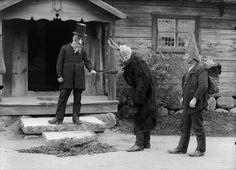 """A picture of traditional """"Julboking"""" Julbock med sällskap tagen vid Bollnässtugan, Skansen.DigitaltMuseumFotografering 1910 - 1920 uppskattning Identifier: NMA.0048125 Institution: Nordiska museet"""