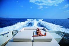 Μοναδικές στιγμές σου προσφέρουν τα υπερπολυτελή μας Σκάφη!! Για κρατήσεις καλέστε μας εδώ: 6948364770