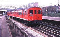 A District Line train made up of CO stock departs Barking for Ealing. The design is 1935 vintage. All were withdrawn in the early as new trains were delivered for the District Line. Notes From Underground, Underground Lines, London Underground Tube, Metropolitan Line, District Line, S Bahn, Paris Metro, London Transport, Nyc Subway