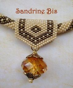 Peyote pendant bail by Ann Benson. #seed #bead #tutorial