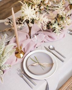 """1,749 Likes, 22 Comments - 100 Layer Cake (@100_layercake) on Instagram: """"Nothing like a simple, natural place setting, in our opinions. Click on over for more romantic…"""""""