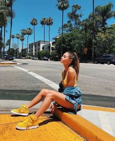 45 Basic Outfit Ideas Aesthetic You Should Already Own outfit ideas aesthetic, Poses de Fotos Cute Instagram Pictures, Cute Poses For Pictures, Instagram Pose, Insta Pictures, Tumblr Photography Instagram, Instagram Girls, Jess Conte Instagram, Picture Ideas For Instagram, Fun Poses