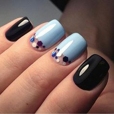 stylish dress before the New Year. There are new nail trends replaced by others year after year. Some nail designs give way to others and become less popular. Nails for New Years 2018 will be special too. We'll tell you about preferred colors, fashionable New Year's Nails, New Nail Art, Hair And Nails, Fancy Nails, Cute Nails, Pretty Nails, Simple Nail Designs, Nail Art Designs, Nails Design