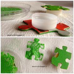 decoriciclo: Stampini fatti con i pezzi di puzzle spaiati + Pit...