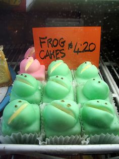Pretty Cakes, Cute Cakes, Frog Cakes, Frog Art, Cute Frogs, Cute Desserts, Aesthetic Food, Sweet Tooth, Bakery