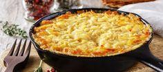 Heerlijke ovenschotel met zuurkool, gehakt, worst, spekjes, aardappelpuree, gegratineerd met kaas. Ook heerlijk voor mensen die normaal geen zuurkoolfan zijn.