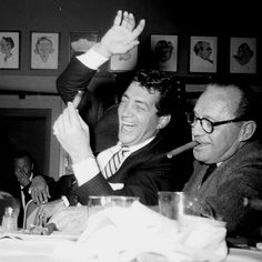Dean Martin and Jack Benny. Dean's laugh was always genuine and it seemed to come from down deep :) Hollywood Stars, Classic Hollywood, Old Hollywood, Dean Martin, Joey Bishop, Jack Benny, Great Comedies, Jerry Lewis, Star Wars