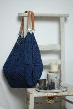 Photo du blog vassilissa *: *35  Sac au crochet, doublure à réaliser, référence pour trouver les anses