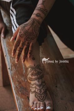 Intricate Natural Henna / Mehndi on Hands and Feet for Matric Farewell / Matric Dance . Henna by Jorietha Henna Arm, Henna Feet, Cool Henna Designs, Moroccan Henna, Hand Mehndi, Natural Henna, Bridal Henna, Henna Artist, Body Art Tattoos