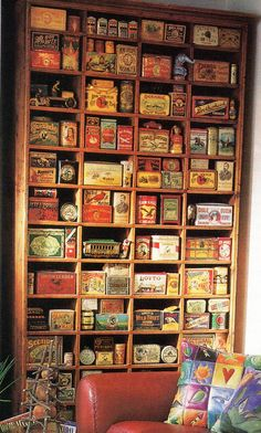 Vintage tins collection ... very pretty and interesting.