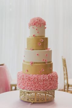 Beautiful Pink + Gold Wedding Cake :: The Cakewalk Shop | Candy Acosta Photography