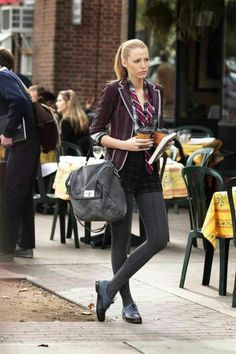 SERENA VANDER WOODSEN IS THE FASHION ICON OF THE CENTURY. AND NO I AM NOT EXAGGERATING AT ALL. SOME OF HER BACK TO SCHOOL OUTFITS FOR THE FALL SEASON.