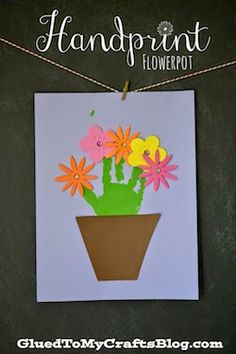 It's hard to figure out what to give your mom, and children especially need help. Here are 10 great ideas for Mother's Day crafts for kids!
