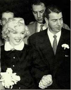 marilyn monroe joe dimaggio wedding dress | Marilyn Monroe Joe DiMaggio were marred at San Francisco City Hall on