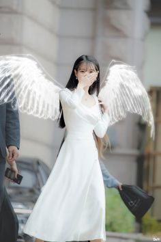 iu is angel, wow! looove these edits Korean Actresses, Korean Actors, Actors & Actresses, Sulli, Iu Fashion, Korean Fashion, Foto Pose, Korean Artist, Queen