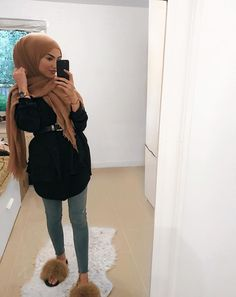 ANZEIGE Outfit of the day ���� Shoes by ���Get off with sue. Hijab Outfit, Hijab Casual, Outfits Casual, Hijab Chic, Muslim Women Fashion, Islamic Fashion, Elegantes Outfit Frau, Hijab Fashionista, Modern Hijab