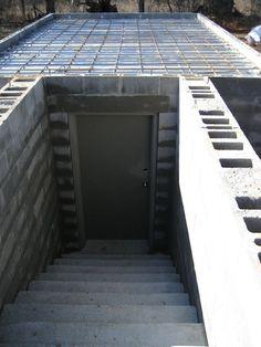 Build A Bunker 321725967134346991 - root cellar plans Underground Shelter, Underground Homes, Underground Cellar, Root Cellar Plans, Storm Cellar, Gun Rooms, Casas Containers, Safe Room, Survival Shelter