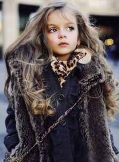 little girl fashion fashion Kids fashion / swag / swagger / little fashionista / cute / love it! Baby u got swag! Fashion Kids, Little Girl Fashion, Young Fashion, Fashion Shoes, Fashion Coat, Fashion Tights, Fashion Hair, Korean Fashion, Winter Fashion