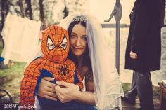 #After-Wedding-Shooting im #Vintage-Style, #Motto-Shooting, #spiderman #brideandson FrauGlück und HerrLich