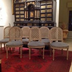 Série De 10 Chaises De Style Louis XVI En Bois Laquė Assise Raquette
