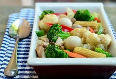 the secret to vibrant and evenly cooked vegetables in stir-fry dishes? parboiling! http://www.kawalingpinoy.com/2013/07/chopsuey/