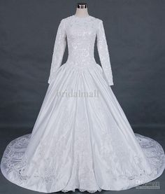 Modest Wedding Dresses With Long Sleeves Uk Modest Wedding Gowns, Beautiful Wedding Gowns, Wedding Dresses For Sale, Elegant Wedding Dress, Bridal Dresses, Lace Wedding, Elegant Dresses For Women, Long Sleeve Wedding, Wedding Pins