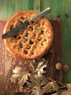 Μηλόπιτα σαν πάστα φλώρα - www.olivemagazine.gr Candy Recipes, Baby Food Recipes, Dessert Recipes, Cooking Recipes, Apple Crisp Cheesecake, Cheesecake Cupcakes, Apple Desserts, Apple Recipes, Apple Cakes