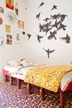 fly fly fly  O o OO  o o O                  o Ooo O O oo  day bed w/ old table legs