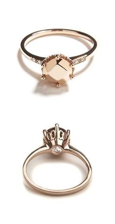 Love this Rose Gold Hidden Diamond ring by Anna Sheffield. That's a hidden champagne diamond. Part of me says that's ridiculous foolishness to hide a diamond. The other part thinks it's totally irreverent & cool as hell. Ring Set, Ring Verlobung, Solitaire Ring, Tiara Ring, Jewelry Box, Jewelry Accessories, Jewelry Design, Mirror Jewellery, Bling Jewelry