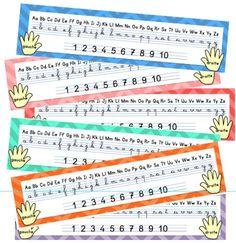 Et voici un petit outil d'aide à l'écriture des lettres et des chiffres en cursif. J'utilisais auparavant les réglettes de Lutin Bazar, que je trouve toujours aussi chouettes! Mais j'ai trouvé un m...: