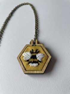 Mini embroidery necklace bee   Etsy Big Sweater, Bee, Pendant Necklace, Embroidery, Friends, Mini, Handmade, Etsy, Amigos
