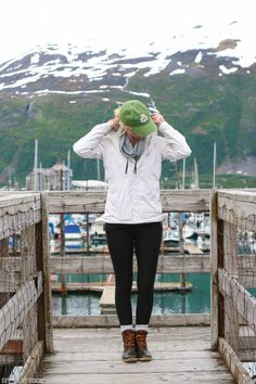 What to pack for a trip to Alaska. This guide will help you be prepared for your trip so you can be warm, comfortable, and still fashionable!