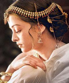 IT'S PG'LICIOUS — #aishwarya