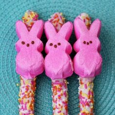 easter bake sale ideas | Chocolate dipped pretzels with peeps