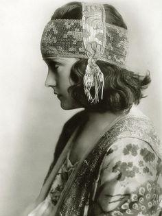 gloria swanson headwrap profile by carbonated, via Flickr