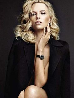 Charlize Theron Is Really Enjo. is listed (or ranked) 13 on the list The 40 Hottest Charlize Theron Photos of All Time World Most Beautiful Woman, Beautiful People, Portrait Photography, Fashion Photography, Charlize Theron Photos, Female Portrait, Woman Portrait, Beautiful Celebrities, Mannequins