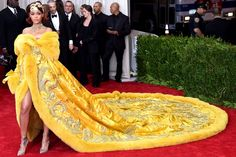 Rihanna met gala 2015   The Story Behind Rihanna's Red Carpet-Winning Met Gala Dress ...