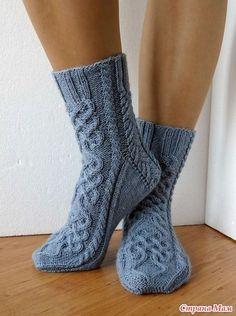 Crochet Socks, Knitting Socks, Hand Knitting, Knitting Patterns, Knit Crochet, Bed Socks, Spring Boots, Wool Socks, Wearing Black