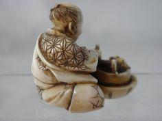 http://www.antiquenetsuke.co.uk/?page_id=30