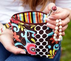 Ella Grace Claire Wristlet - SUPER cute for when I don;t need a big purse. Need!