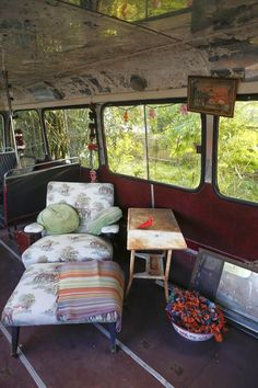 Moon to Moon: The Home and converted Bus of... Miranda Lake