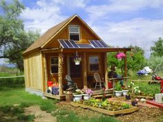 How To Build A 14×14 Solar Cabin For Under $2000
