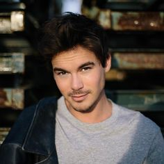 Tyler Blackburn photographed by Claire Leahy Tyler Blackburn, Pretty Little Lies, Pretty Boys, Cute Boys, Pll Actors, Actors & Actresses, Roswell New Mexico, Project Blue Book, Caleb