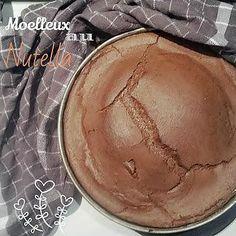 La meilleure recette de THERMOMIX : Moelleux au Nutella .. pure et simple tuerie !! L'essayer, c'est l'adopter! 0.0/5 (0 votes), 0 Commentaires. Ingrédients: Il faut, pour un gateau (6-8parts) - 150 g de beurre - 6 œufs - 1 pincée de sel - 20 g de sucre vanillé - 150 g de sucre - 200 g de nutella - 50 g de farine - un moule rond de 22cm de diamètre et du beurre.